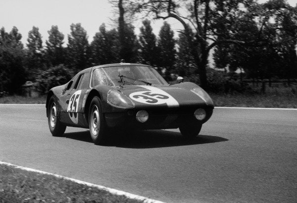 Le Mans, France. 20th - 21st June 1964. Herbert Muller/Jean Sage, Porsche 904 GTS, 11th position, action. World Copyright: LAT Photographic. Ref: 11026D / 5A-6