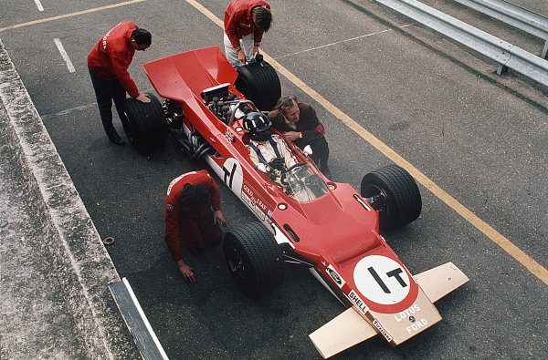Zandvoort, Holland. 19-21 June 1969. Graham Hill (Lotus 63 Ford) in practice. Ref-35mm 69 HOL 15. World Copyright - LAT Photographic