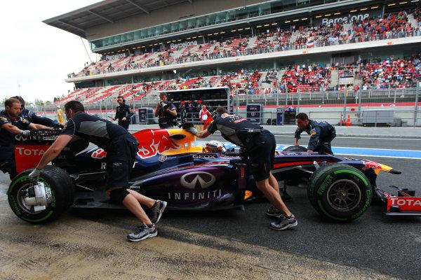 Circuit de Catalunya, Barcelona, Spain 10th May 2013 Sebastian Vettel, Red Bull RB9 Renault, is returned to the garage. World Copyright: Andy Hone/LAT Photographic ref: Digital Image HONY4698