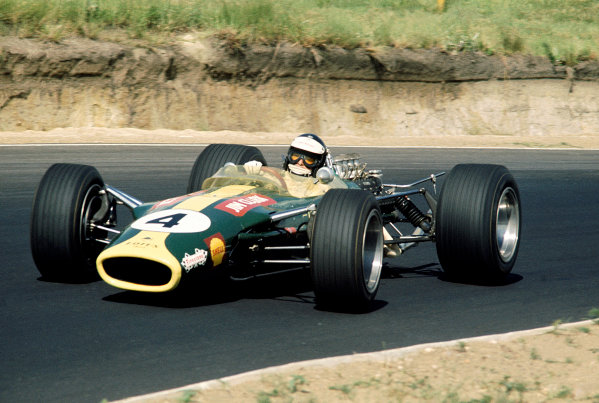 Kyalami, South Africa.30/12/67-1/1/1968.Jim Clark (Lotus 49 Ford) 1st position, action.Ref-68 SA 12.World Copyright - LAT Photographic