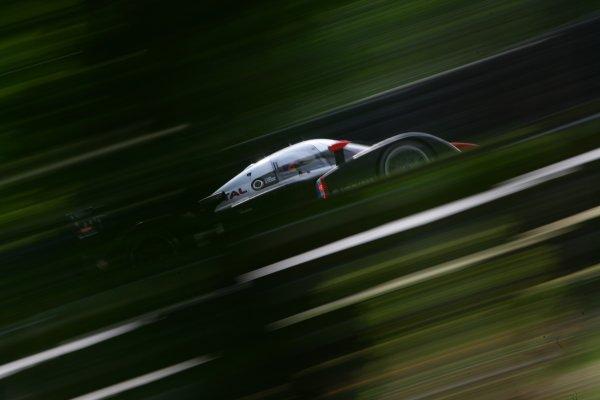 2007 Le Mans Test Day2nd and 3rd June 2007.Le Mans, France.Sunday Test DayMarc Gene (ESP)/Nicolas Minassian (GBR)/Jacques Villeneuve (CAN) (no 7 Peugeot 908 Hdi FAP) action.World Copyright: Glenn Dunbar/LAT Photographic. ref: Digital Image YY8P5723