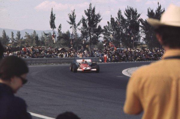1970 Mexican Grand Prix.Mexico City, Mexico.23-25 October 1970.Clay Regazzoni (Ferrari 312B) 2nd position.Ref-70 MEX 49.World Copyright - LAT Photographic
