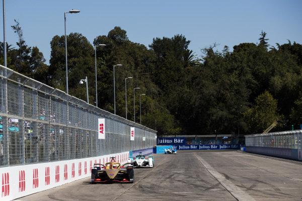 Jean-Eric Vergne (FRA), DS TECHEETAH, DS E-Tense FE19 leads Tom Dillmann (FRA), NIO Formula E Team, NIO Sport 004