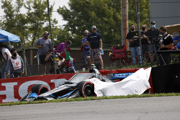 #10: Felix Rosenqvist, Chip Ganassi Racing Honda, start, crash