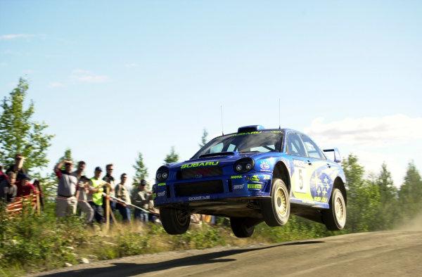 2001 World Rally Championship.Neste Rally Finland. Jyvaskyla, August 24-26, 2001.Richard Burns flies during the shakedown.Photo: Ralph Hardwick/LAT