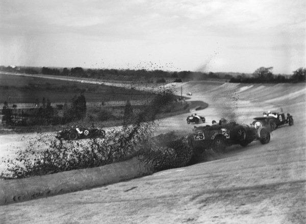 Earl Howe, Bugatti, crashes into a sandbank.