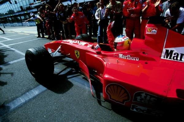 First Australian GP win for Michael Schumacher(GER) Ferrari F1 2000 Australian GP, Melbourne, 12 March 2000