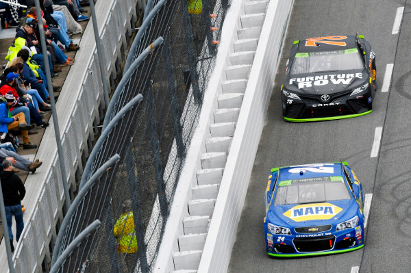 Monster Energy NASCAR Cup Series First Data 500 Martinsville Speedway, Martinsville VA USA Sunday 29 October 2017 Chase Elliott, Hendrick Motorsports, NAPA Chevrolet SS and Martin Truex Jr, Furniture Row Racing, Furniture Row/Denver Mattress Toyota Camry World Copyright: Nigel Kinrade LAT Images