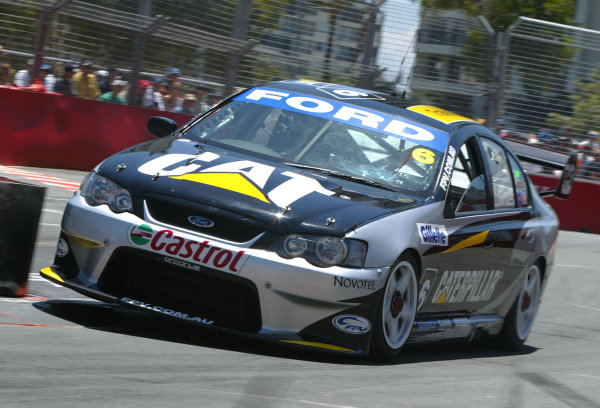 2003 Australian V8 SupercarsSurfers Paradise, Australia. October 25th 2003. Craig Lowndes in action during the Gillette V8 Supercar event at the Lexmark Indy 300 at the Sufer's Paradise.World Copyright: Mark Horsburgh/LAT Photographicref: Digital Image Only