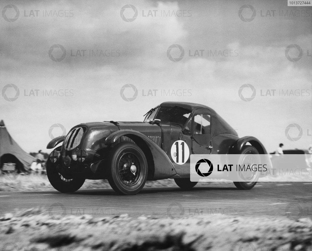 Le Mans, France. 24th - 25th June 1950 Eddie Hall/T. Clarke (Bentley