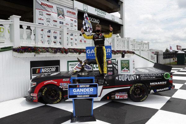 #51: Brandon Jones, Kyle Busch Motorsports, Toyota Tundra DuPont Air Filtration/Menards