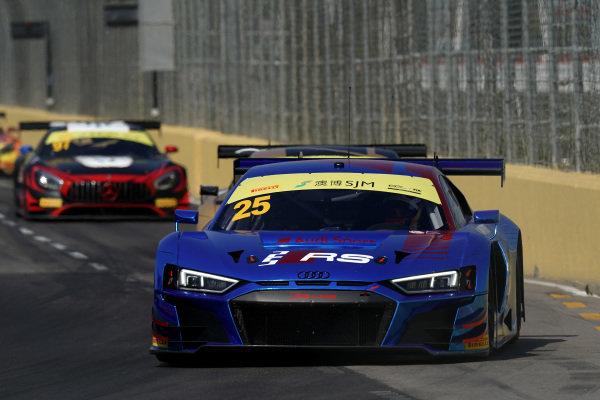 #25 Audi Sport Team WRT Audi R8 LMS: Dries Vanthoor.