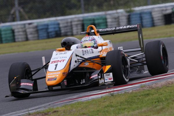 2017 Japanese Formula 3 Championship Autopolis, Japan. 8th - 9th September 2017. Rd 17 & 18. inner Sho Tsuboi ( #1 Corolla Chukyo Kuo TOM?S F317 )  action World Copyright: Masahide Kamio / LAT Images Ref: 2017_JF3_Rd17&18_002