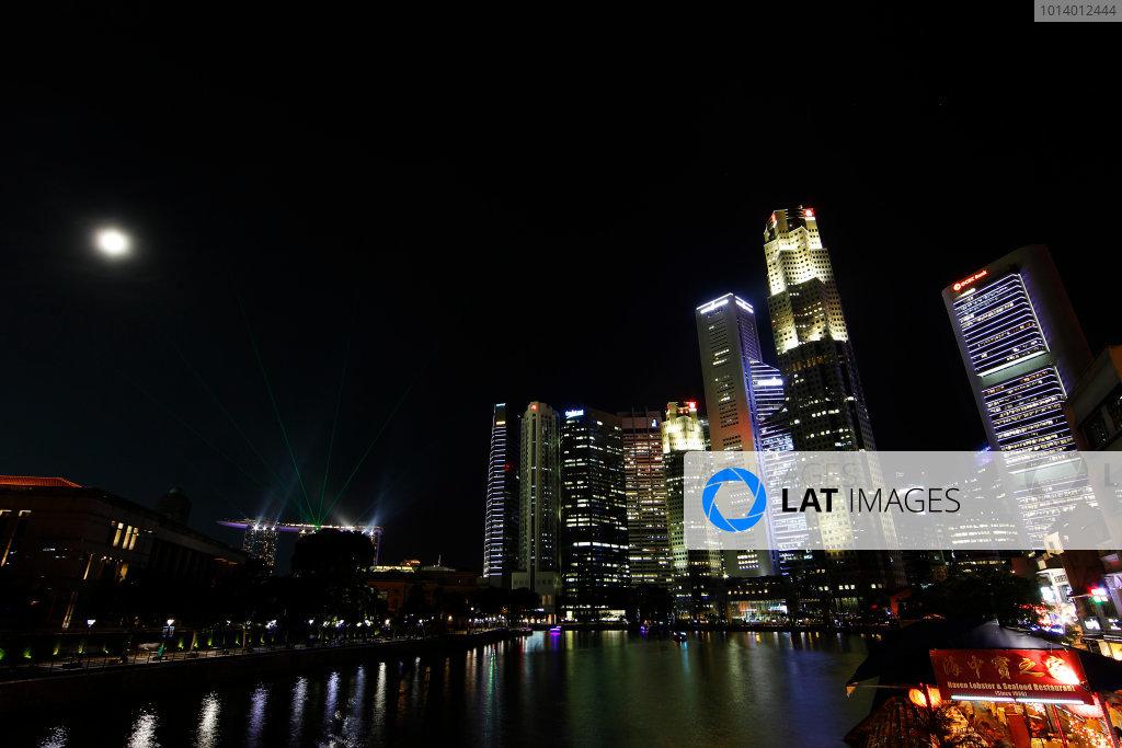 Marina Bay Circuit, Singapore. 18th September 2013. Singapore at night. World Copyright: Jed Leicester/LAT Photographic. ref: Digital Image _JEL9232