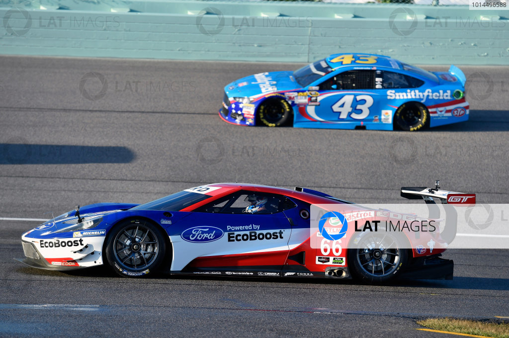 20-22 November, 2015, Homestead, Florida USA Ford GT and Aric Almirola ? 2015, Nigel Kinrade LAT Photo USA