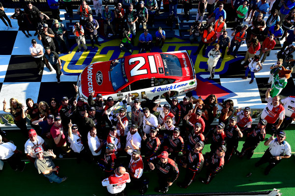 Monster Energy NASCAR Cup Series AXALTA presents the Pocono 400 Pocono Raceway, Long Pond, PA USA Sunday 11 June 2017 Ryan Blaney, Wood Brothers Racing, Motorcraft/Quick Lane Tire & Auto Center Ford Fusion wins. World Copyright: Rusty Jarrett LAT Images ref: Digital Image 17POC1rj_3663