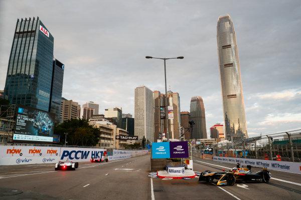 2017/2018 FIA Formula E Championship. Round 1 - Hong Kong, China. Saturday 02 December 2017.Andre Lotterer (BEL), TECHEETAH, Renault Z.E. 17. Photo: Sam Bloxham/LAT/Formula E ref: Digital Image _J6I3789