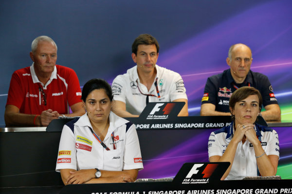 Marina Bay Circuit, Singapore. Friday 18 September 2015. John Booth, Team Principal, Manor Marussia F1, Monisha Kaltenborn, Team Principal and CEO, Sauber, Toto Wolff, Executive Director (Business), Mercedes AMG, Claire Williams, Deputy Team Principal, Williams F1, and Franz Tost, Team Principal, Toro Rosso, in the team principals Press Conference. World Copyright: Alastair Staley/LAT Photographic ref: Digital Image _R6T4482
