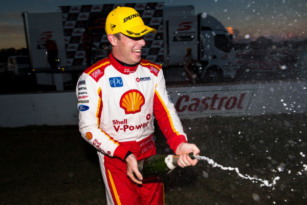 2017 Supercars Championship Round 5.  Winton SuperSprint, Winton Raceway, Victoria, Australia. Friday May 19th to Sunday May 21st 2017. Scott McLaughlin driver of the #17 Shell V-Power Racing Team Ford Falcon FGX. World Copyright: Daniel Kalisz/LAT Images Ref: Digital Image 200517_VASCR5_DKIMG_6085.JPG