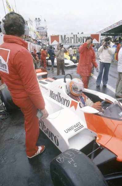 1981 Belgian Grand PrixZolder, Belgium. 15-17 May 1981.John Watson (McLaren MP4/1-Ford Cosworth), 7th position, in the pits.  Ref - 81BEL23.World Copyright - LAT Photographic