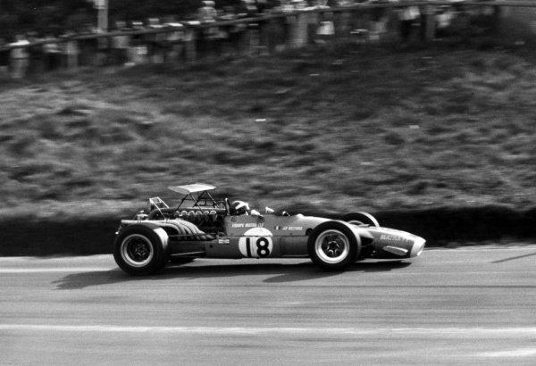 1968 Canadian Grand Prix.St Jovite, Canada. 22 September 1968.Jean-Pierre Beltoise, Matra MS11, retired, action.World Copyright: LAT PhotographicRef: Motor b&w print
