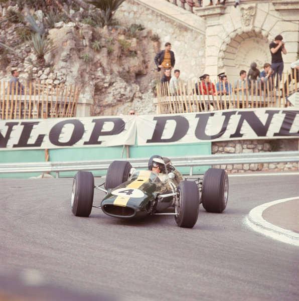 1966 Monaco Grand Prix. Monte Carlo, Monaco.  19-22 May 1966. Jim Clark (Lotus 33 Climax) at Station Hairpin. Ref-3641. A Race Through Time exhibition number 65. World Copyright - LAT Photographic