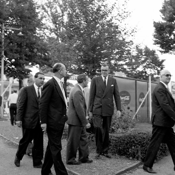 1960 Italian Grand Prix.Monza, Italy.2-4 September 1960.Team bosses John Cooper (Cooper Car Co.), Raymond Mays (BRM), Colin Chapman (Team Lotus), Lofty England (Aston Martin) and Enzo Ferrari (Scuderia Ferrari) at the circuit. They argued with the organisers that the banking was dangerous.Ref-7201B/W.World Copyright - LAT Photographic