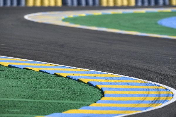 Curb, track