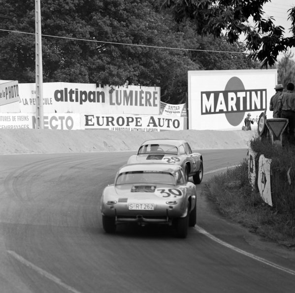 Ben Pon / Heinz Schiller, Porsche System Engineering, Porsche 356B GS, follows Carel Godin de Beaufort / Gerhard Koch, Porsche System Engineering, Porsche 356B GS.