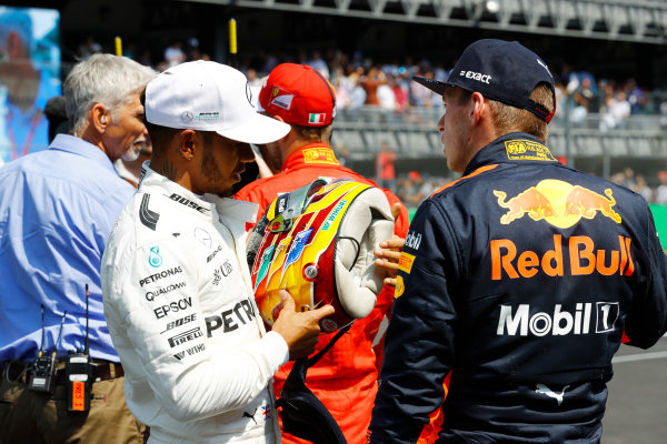 Autodromo Hermanos Rodriguez, Mexico City, Mexico. Saturday 28 October 2017. Lewis Hamilton, Mercedes AMG, talks to Max Verstappen, Red Bull Racing, while pole sitter Sebastian Vettel, Ferrari, is interviewed by Damon Hill. World Copyright: Steven Tee/LAT Images  ref: Digital Image _R3I5483