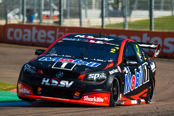 2017 Supercars Championship Round 7.  Townsville 400, Reid Park, Townsville, Queensland, Australia. Friday 7th July to Sunday 9th July 2017. Scott Pye drives the #2 Mobil 1 HSV Racing Holden Commodore VF. World Copyright: Daniel Kalisz/ LAT Images Ref: Digital Image 070717_VASCR7_DKIMG_401.jpg