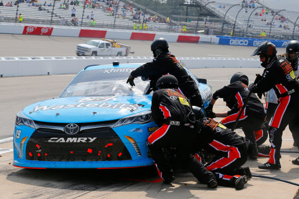 NASCAR Xfinity Series ToyotaCare 250 Richmond International Raceway, Richmond, VA USA Saturday 29 April 2017 Matt Tifft, Wastebits Toyota Camry and pit stop World Copyright: Russell LaBounty LAT Images ref: Digital Image 17RIC1Jrl_4611