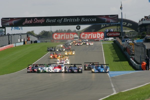 The start of the race.Le Mans Series, Rd4, Donington Park, England, 28 August 2006.DIGITAL IMAGE