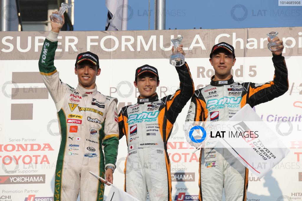 2016 Japanese Super Formula. Okayama, Japan.  Sunday 11 September 2016. Rd 5. Race2 Winner Yuji Kunimoto  ( #2 P.MU/CERUMO · INGING SF14 ) 2nd position Kazuki Nakajima ( #37 VANTELIN KOWA TOM'S SF14  ) 3rd position Hiroaki Ishiura ( #1 P.MU/CERUMO · INGING SF14 ) podium World Copyright: Yasushi Ishihara/LAT Photographic Ref : 2016SF_Rd5_R2_010