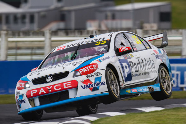 2017 Supercars Championship Round 14.  Auckland SuperSprint, Pukekohe Park Raceway, New Zealand. Friday 3rd November to Sunday 5th November 2017. Garth Tander, Garry Rogers Motorsport.  World Copyright: Daniel Kalisz/LAT Images  Ref: Digital Image 031117_VASCR13_DKIMG_0956.jpg