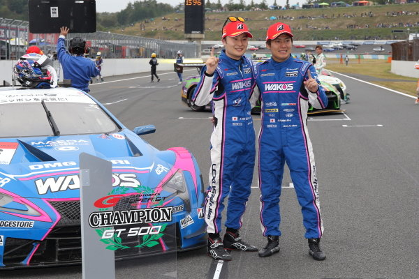 Second position in GT500 and 2019 Drivers' champions Kazuya Oshima & Kenta Yamashita, Lexus Team Le Mans Wako's Lexus 4CR LC500 celebrate in parc ferme