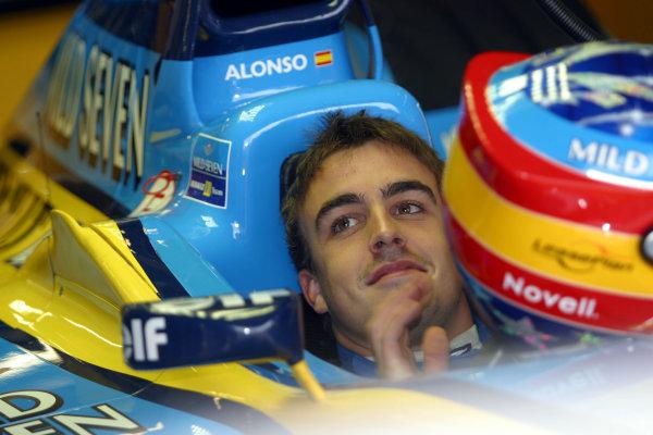 2002 Formula One TestingSilverstone, England. 17th September 2002.Fernando Alonso, Renault R202, portrait.World Copyright: Malcolm Griffiths/LAT Photographicref: Digital Image Only