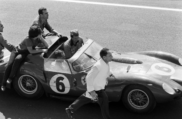 Olivier Gendebien / Phil Hill, SpA Ferrari SEFAC, Ferrari 330 TRI/LM (Spyder), after the race.