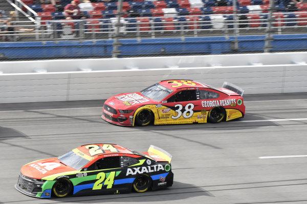 #24: William Byron, Hendrick Motorsports, Chevrolet Camaro Axalta, #38: Anthony Alfredo, Front Row Motorsports, Ford Mustang Georgia Peanuts