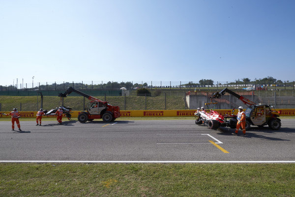 The marshals clear up an incident involving Kevin Magnussen, Haas VF-20 and Antonio Giovinazzi, Alfa Romeo Racing C39