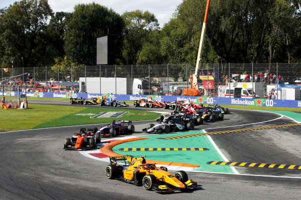 AUTODROMO NAZIONALE MONZA, ITALY - SEPTEMBER 08: Jack Aitken (GBR, CAMPOS RACING) leads Jordan King (GBR, MP MOTORSPORT) and Giuliano Alesi (FRA, TRIDENT) at the start of the race during the Monza at Autodromo Nazionale Monza on September 08, 2019 in Autodromo Nazionale Monza, Italy. (Photo by Joe Portlock / LAT Images / FIA F2 Championship)