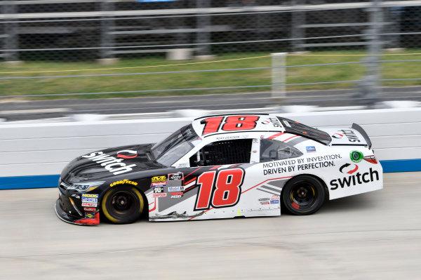 #18: Noah Gragson, Joe Gibbs Racing, Toyota Camry Switch