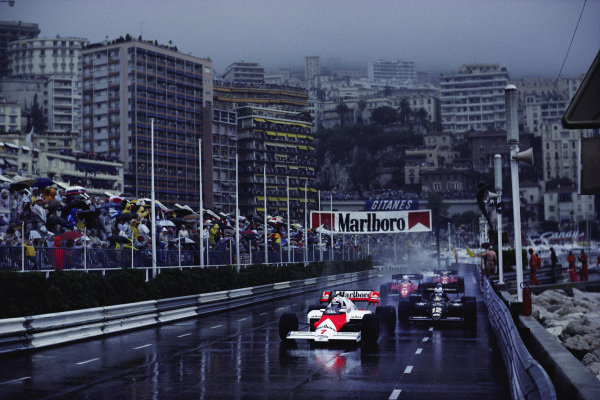 Alain Prost, McLaren MP4-2 TAG, leads Nigel Mansell, Lotus 95T Renault.