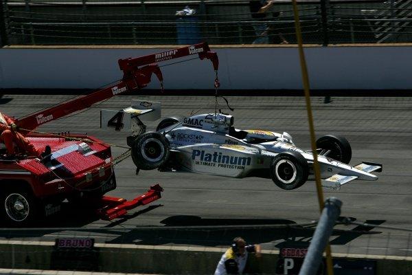 Tomas Scheckter (RSA), Panther Racing Dallara Chevrolet, crashed in another Indianapolis 500.IRL IndyCar Series, Rd5, 89th Indianapolis 500, Indianapolis Motor Speedway, Indianapolis, USA. 29 May 2005.DIGITAL IMAGE