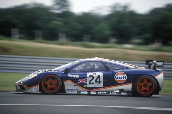 1995 Le Mans 24 Hours. Le Mans, France. 17th - 18th June 1995. Mark Blundell/Ray Bellm/Maurizio Sala  (McLaren F1 GTR) 4th position, action. World Copyright: LAT Photographic ref: 95LM09.