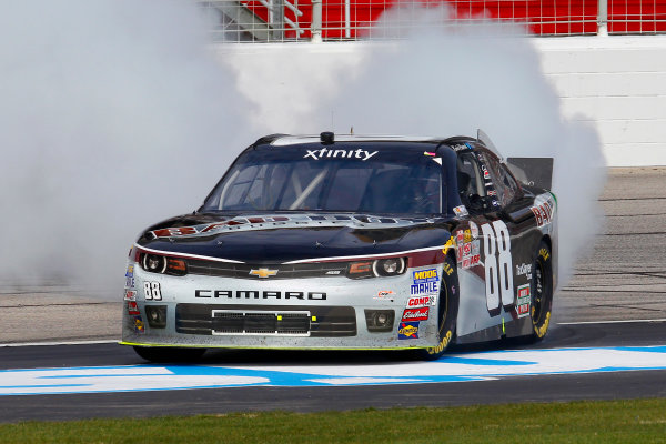 27-28 February 2015, Hampton, Georgia USA Kevin Harvick celebrates his win with a burnout ?2015, Russell LaBounty LAT Photo USA