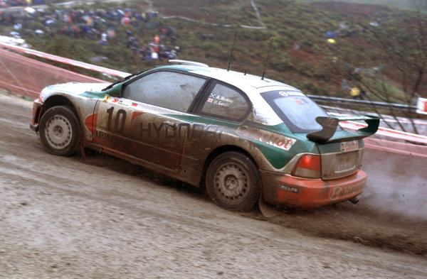 2001 World Rally Championship. Rally Portugal, Portugal. 8th-11th March 2001. Alistair McRae in Hyundai race action. World Copyright: McKlein / LAT Photographic. Ref: Portugal A14