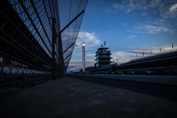 Sunrise, empty track, pagoda, scoring pylon, Simon Pagenaud, Team Penske Chevrolet