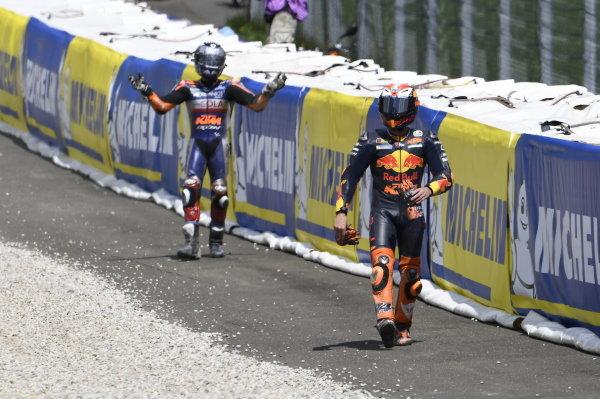Miguel Oliveira, Red Bull KTM Tech 3, Pol Espargaro, Red Bull KTM Factory Racing crash.