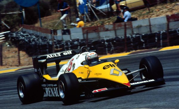 1983 South African Grand Prix.Kyalami, South Africa.13-15 October 1983.Alain Prost (Renault RE40).  Ref: 83SA19. World Copyright - LAT Photographic